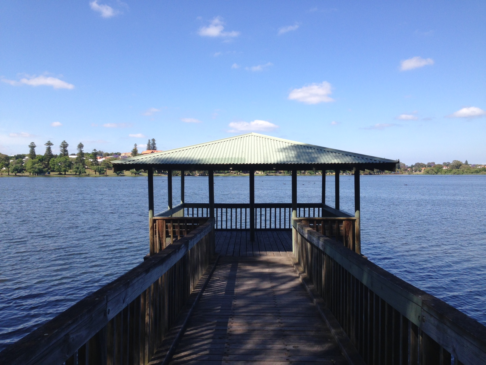 Lake Monger: lookouts are the perfect place for a warm up, rest or post-run stretch