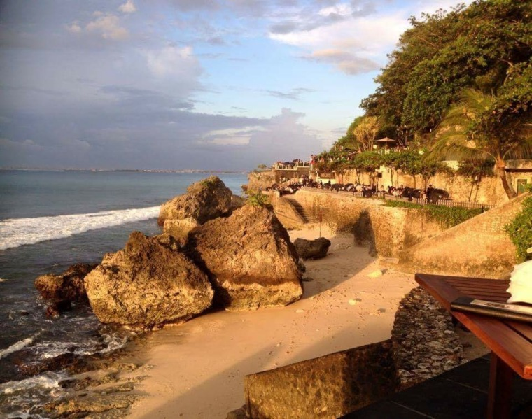 Jimbaran Bay: Ayana Resort has sensational venues, including the famous Rock Bar