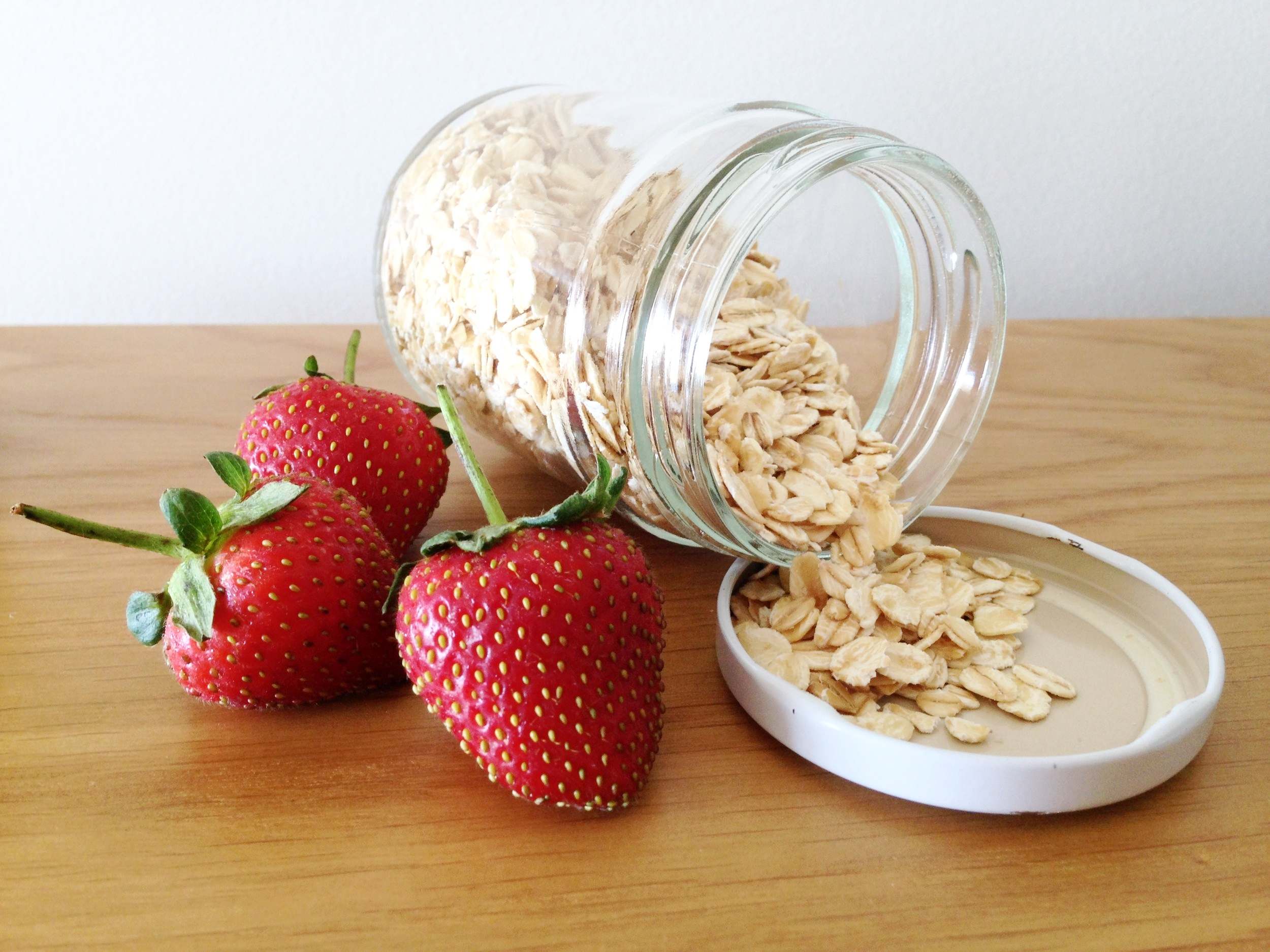 Rolled oats: ready in three minutes and only 10 cents a serve!