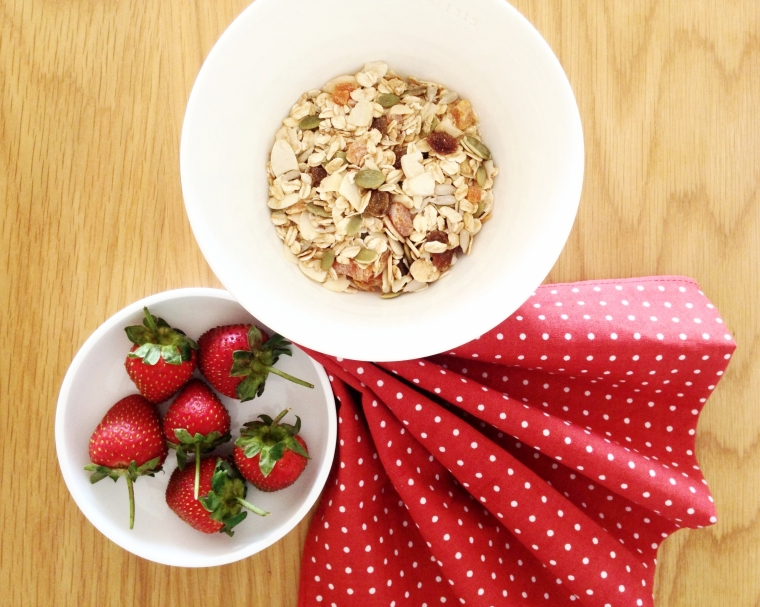 Homemade granola: easy, healthy and delicious!