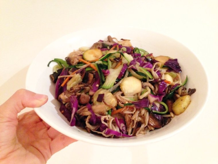 5:2 Meal Ideas: assorted mushrooms, red cabbage, zucchini noodles & carrot slithers.