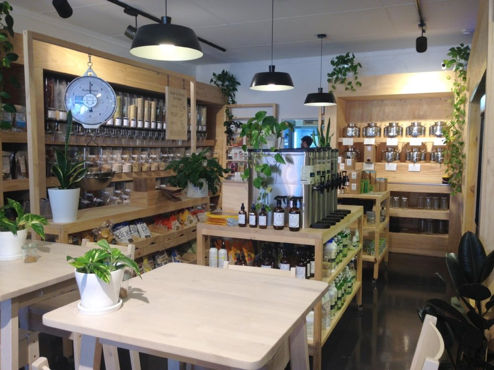 The Clean Food Store: the cleanest, prettiest health food shop I've ever seen!