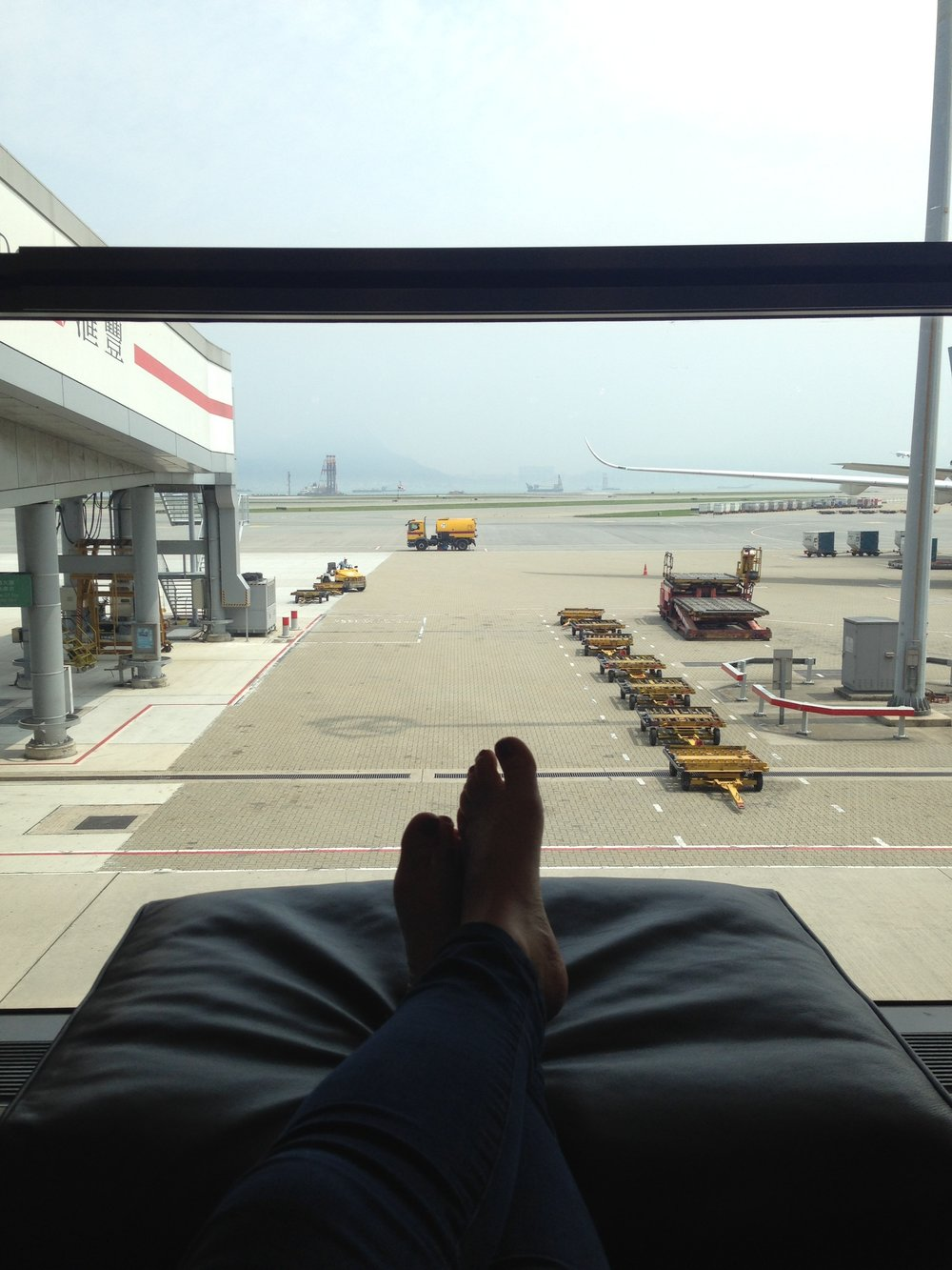 Lounge area: watch planes take off and land (with a cup of luxury tea).
