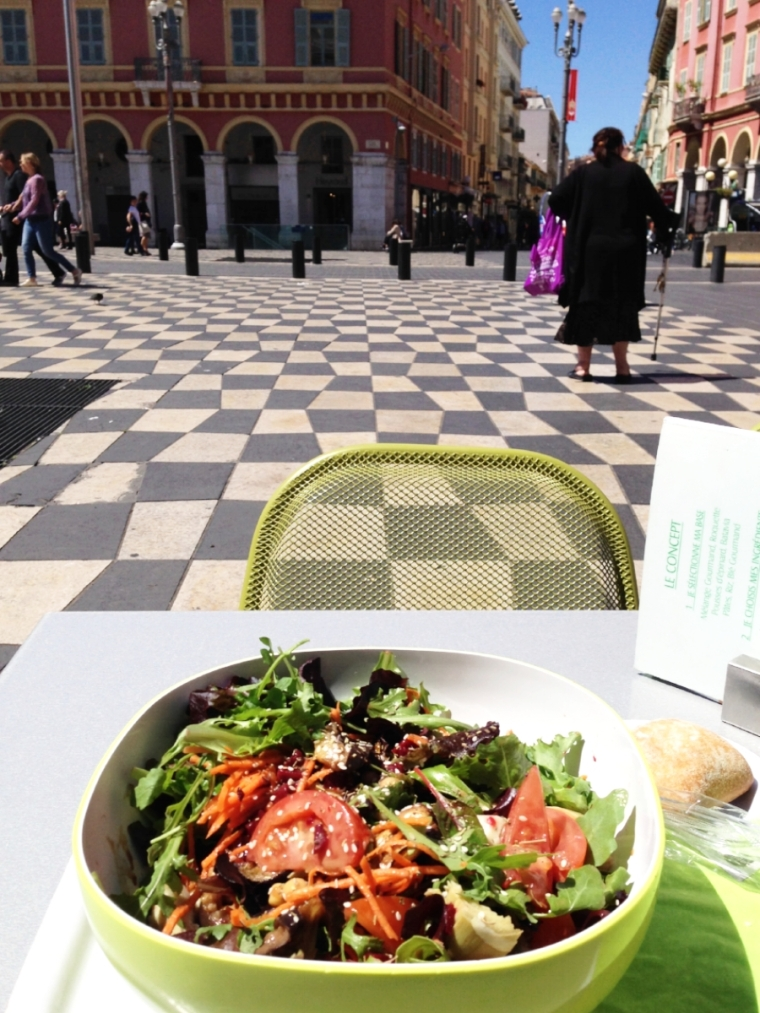 Lunch at Place Massena: I was in salad heaven!