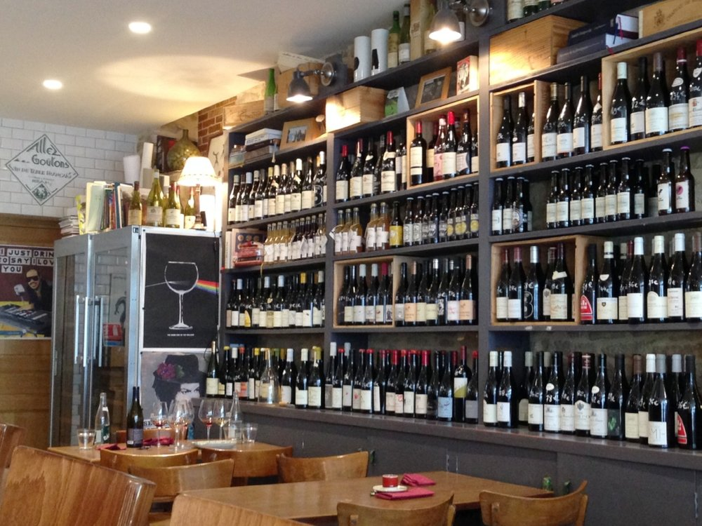 La Dilettante: a cosy space for wine, food and friends.