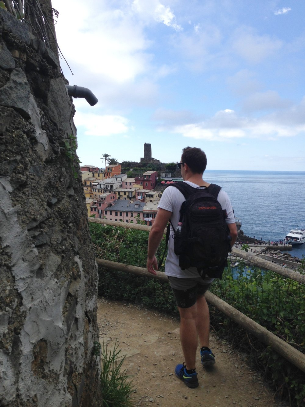 Vernazza: an easy approach on the trail from Monterosso.