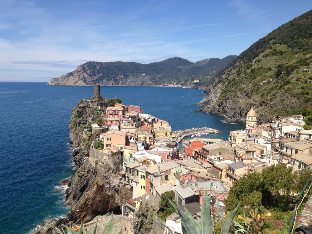 Vernazza (with Monterosso in the background): you'll get this view when hiking to Corniglia!