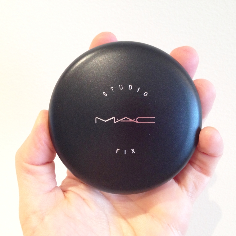 MAC: super portable powder & foundation formula